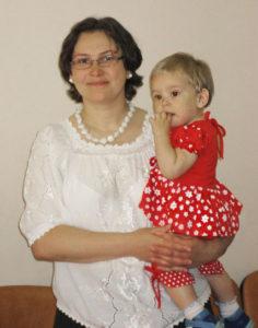 Анна Новикова с ребенком